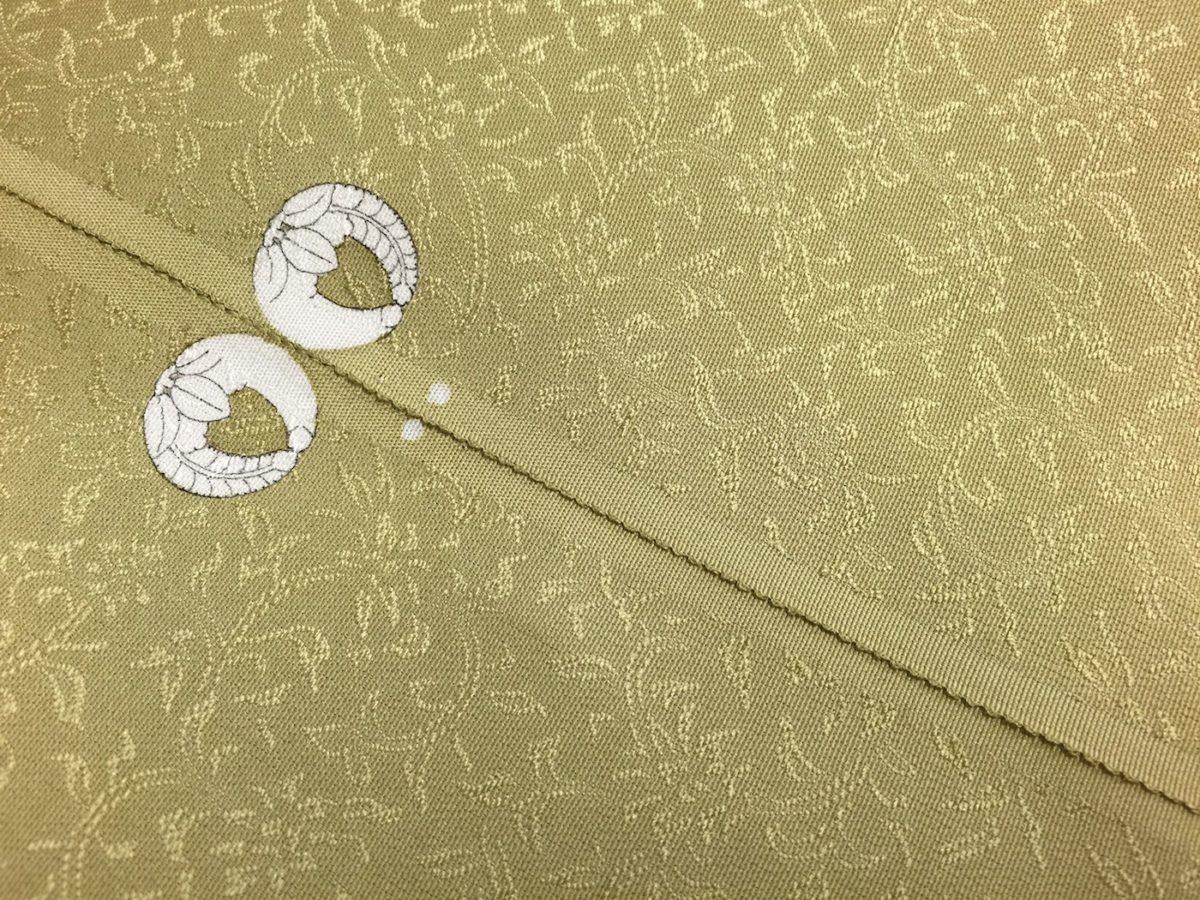 【和服の種類】紋を入れた色無地(唐草地紋入り)