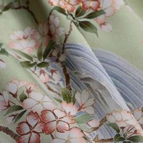 訪問着「箕面の滝と桜」。上前のイメージ写真。