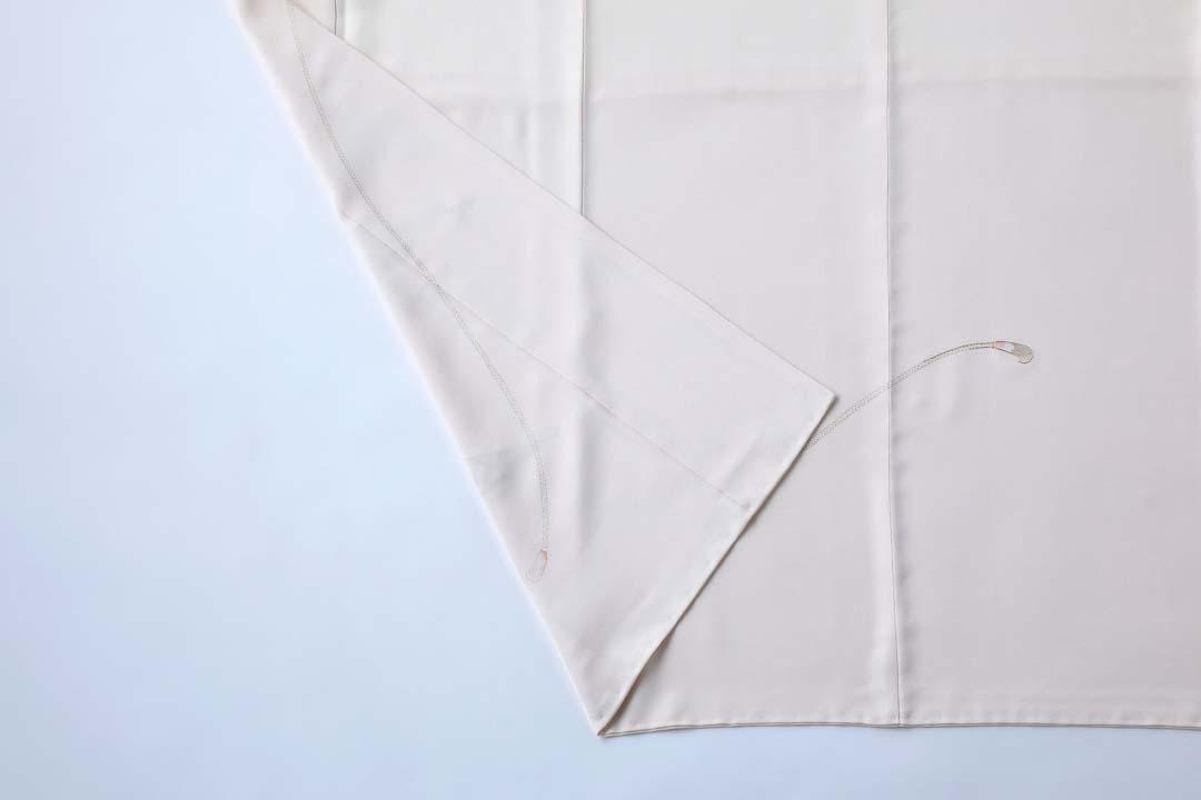 訪問着「扇子に紐」白茶色。裾まわりと八掛。